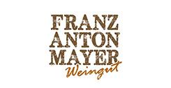 Schriftzug Franz Anton Mayer Weingut auf weißem Hintergrund
