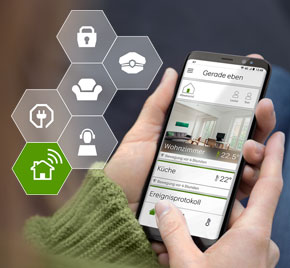 Hand, die die A1 Smart Home App bedient